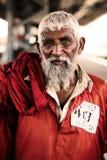 Portrait d'un homme de travail très vieil à la station de Cantt de Karachi Image libre de droits