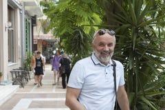 Portrait d'un homme mûr sur la rue Images libres de droits