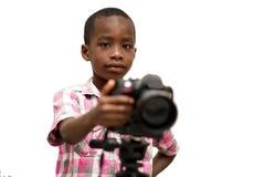 Portrait d'un jeune gar?on avec la cam?ra photos libres de droits