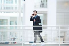 Portrait d'un jeune homme d'affaires à la mode Photos libres de droits