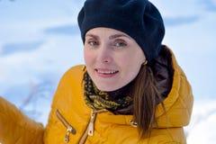 Portrait d'un plan rapproché de sourire de femme Photographie stock