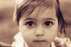 Portrait d'un plan rapproché triste de fille de liitle toned Photos libres de droits