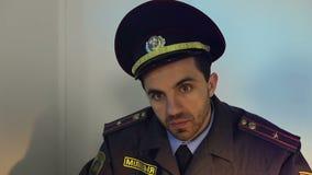 Portrait d'un policier triste banque de vidéos