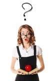 Portrait d'une écolière étonnée en verres sur un backgro blanc Photo libre de droits