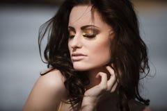 Portrait d'une belle fille Photo stock