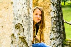 Portrait d'une belle jeune fille photos stock