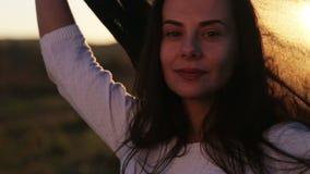 Portrait d'une belle jeune fille arabe banque de vidéos