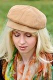 Portrait d'une blonde dans un chapeau Image libre de droits