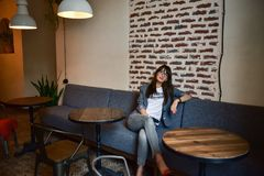 Portrait d'une femme moderne d'affaires Photos stock
