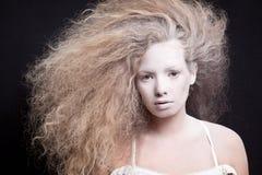 Portrait d'une femme pâle photos stock