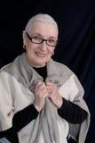 Portrait d'une femme supérieure avec le châle Images libres de droits