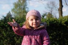 Portrait d'une fille de deux ans photo libre de droits