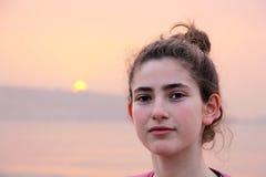 Portrait d'une fille de l'adolescence d'âge Images stock