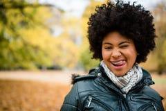 Portrait d'une fille de l'adolescence drôle photographie stock