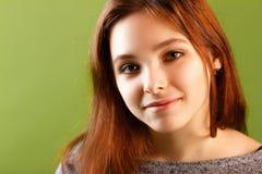 Portrait d'une fille de sourire Photographie stock