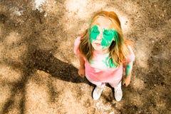 Portrait d'une fille pour le festival indien de couleurs Holi Photos libres de droits