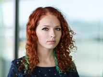 Portrait d'une fille rousse photo stock