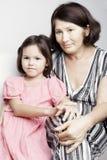 Portrait d'une grand-mère avec sa petite-fille Images stock