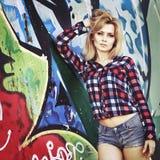 Portrait d'une jeune blonde sensuelle Images stock