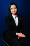 Portrait d'une jeune femme présentable Photo stock