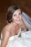 Portrait d'une jeune mariée heureuse Photographie stock