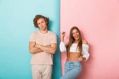Portrait d'une jeune position de couples image libre de droits