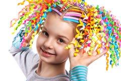 Portrait d'une petite fille heureuse photo stock