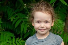 Portrait d'une petite fille mignonne Image libre de droits