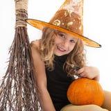 Portrait d'une petite sorcière avec du charme Image libre de droits