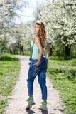 Portrait dans la floraison des Apple-arbres Photo stock
