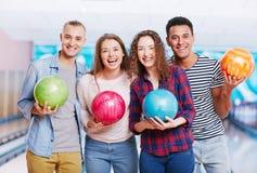 Portrait dans le club de bowling Images libres de droits