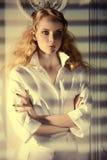 Portrait dans les ombres Images stock