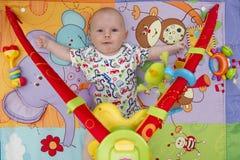 Portrait de bébé garçon - bras  images libres de droits