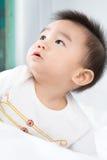 Portrait de bébé mignon asiatique de sourire photo stock