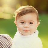 Portrait de beau bébé garçon mignon de sourire Photo libre de droits