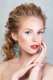 Portrait de beauté de jeune fille blonde attirante Photos libres de droits
