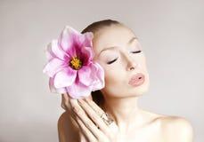 Portrait de beauté de jolie dame sensuelle. Photographie stock libre de droits