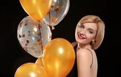 Portrait de belle femme avec des ballons à air image libre de droits
