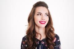 Portrait de belle jeune femme de sourire avec les lèvres roses lumineuses photos libres de droits