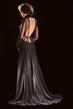 Portrait de belle robe de noir de femme photos libres de droits