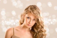 Portrait de charme de belle femme Photographie stock libre de droits