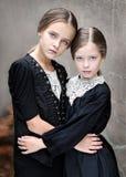 Portrait de deux amies de filles Images stock