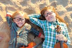 Portrait de deux filles des amies Images libres de droits