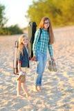 Portrait de deux filles des amies Image libre de droits