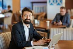 Portrait de directeur financier barbu images stock