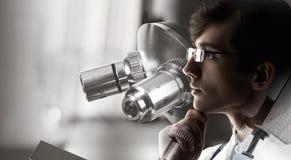 Portrait de docteur beau Media mélangé Photo stock