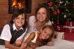 Portrait de famille de Noël heureux photos libres de droits