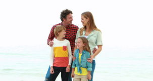 Portrait de famille de sourire banque de vidéos