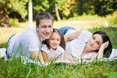 Portrait de famille en parc Photographie stock