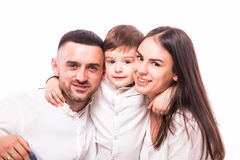 Portrait de famille heureuse : mère, père et fils Photo libre de droits
